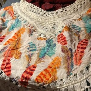 Feather print fringe top